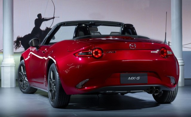2016-Mazda-MX-5-Miata-rear-three-quarters-left-1024x629